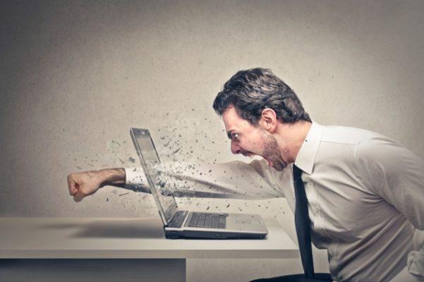 Laptop chạy quá chậm