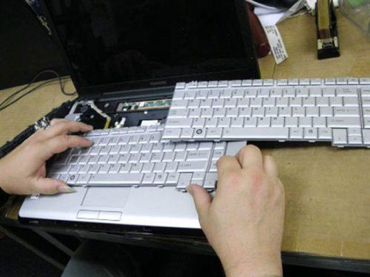 Thay bàn phím laptop lấy ngay